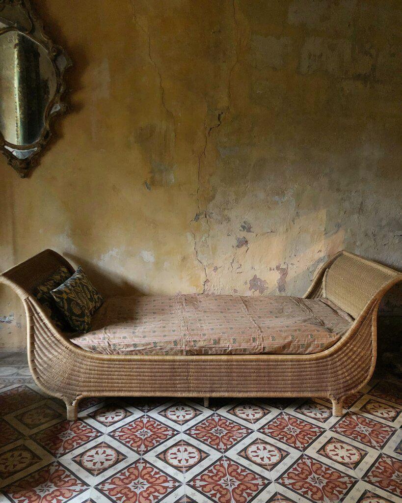 atelier vime banquette lit de repos en rotin. Black Bedroom Furniture Sets. Home Design Ideas